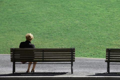 #ALZHEIMER Por desgracia el alzhéimer puede provocar situaciones muy difíciles tanto para la persona afectada como para sus cuidadores. Delirios, agitación, depresión, vagabundeo e incluso conductas sexuales inapropiadas. Nuestra psicóloga Marta Mero nos habla hoy de cómo debemos actuar en momentos así.