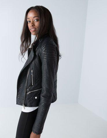 Bershka imitation leather jacket Price:3,690.00 MKD 2,513.00 MKD Ref.6318/833
