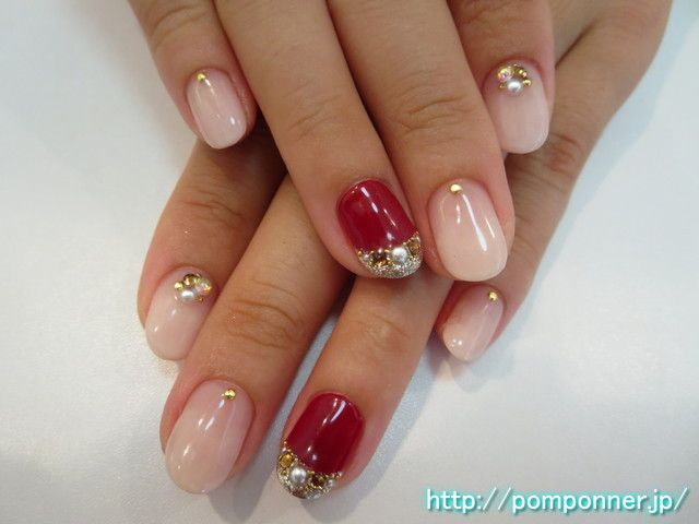 女子力高めのピンクネイル Of the gradient nail of soft atmosphere. Pink Nail of women force increased. The point Art I was in sparkling French based on Bordeaux in lame and Stone.   458-0002  愛知県名古屋市緑区桃山3丁目1203 ネイルサロン ポンポネ(nailsalon pomponner)  0120-959-716
