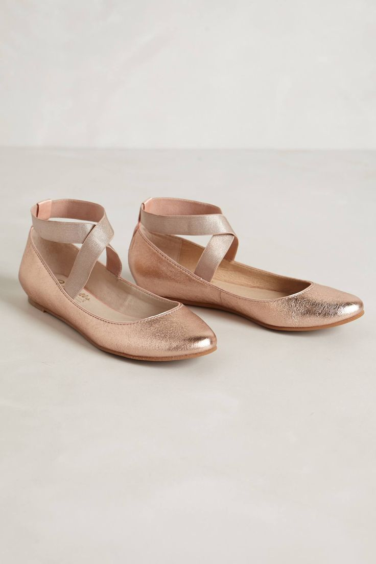 Rose gold flats. These would be so nice under a long and puffy wedding dress. Just comfortable enough but with a bit of glam!