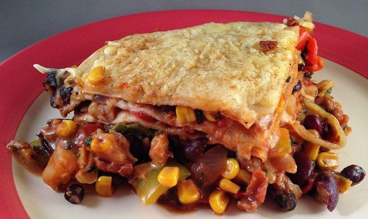 Mexicaanse vegetarische tortilla lasagne (ovenschotel)