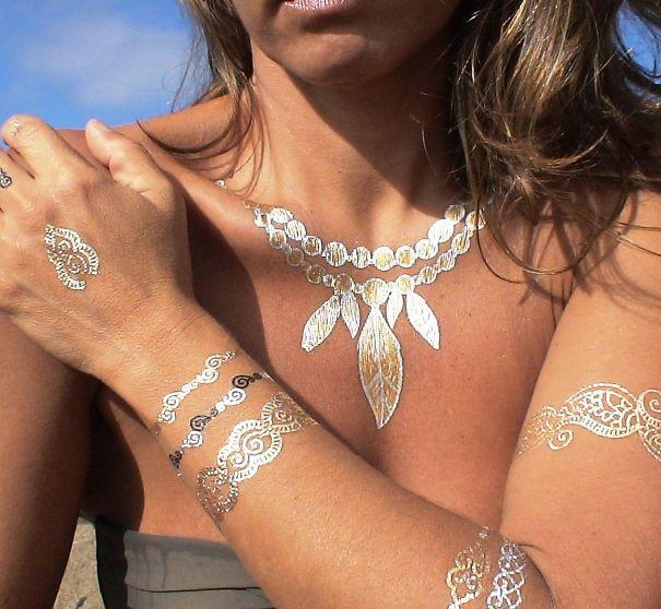 38 AMAZING SHOWCASE OF WHITE HENNA TATTOOSImpressive-white-henna-tattoo (27)