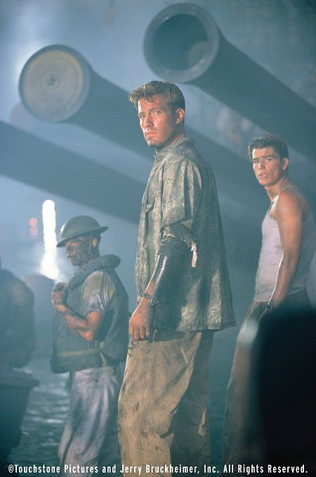 Ben Affleck and Josh Hartnett in Pearl Harbor. I love this movie and I love them