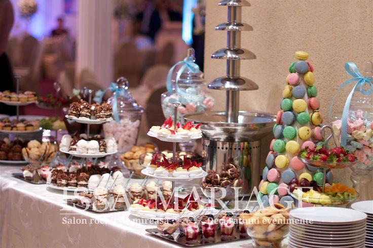 Decoratiuni botez fatanta ciocolata si candy bar multicolor IssaEvents 2017