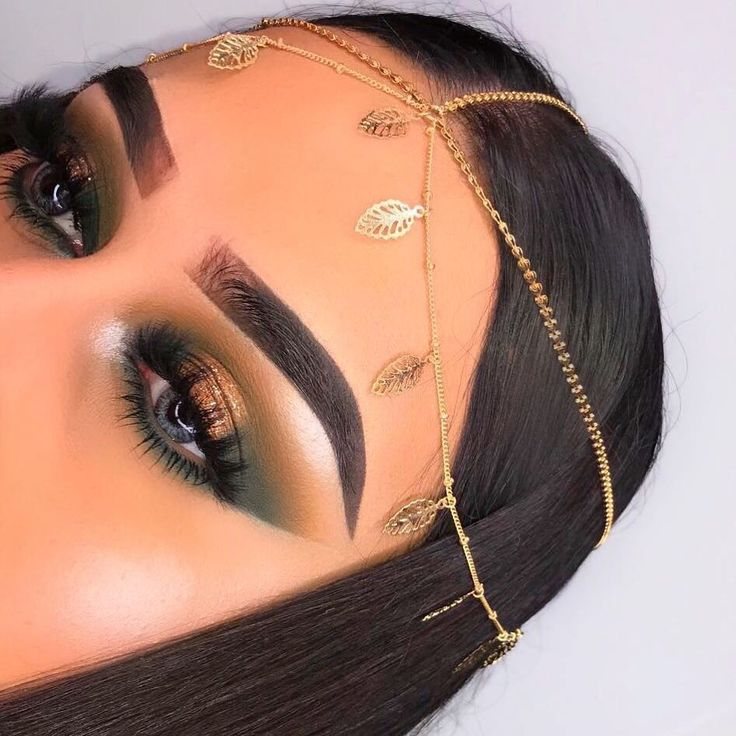 """S•U•B•C•U•L•T•U•R•E @chicfab_mua BROWS: #Dipbrow pomade in """"dark brown"""" shape set with clear brow gel EYES: Subculture palette shadows in """"edge, destiny, axis, adorn"""" #abhsubculture"""