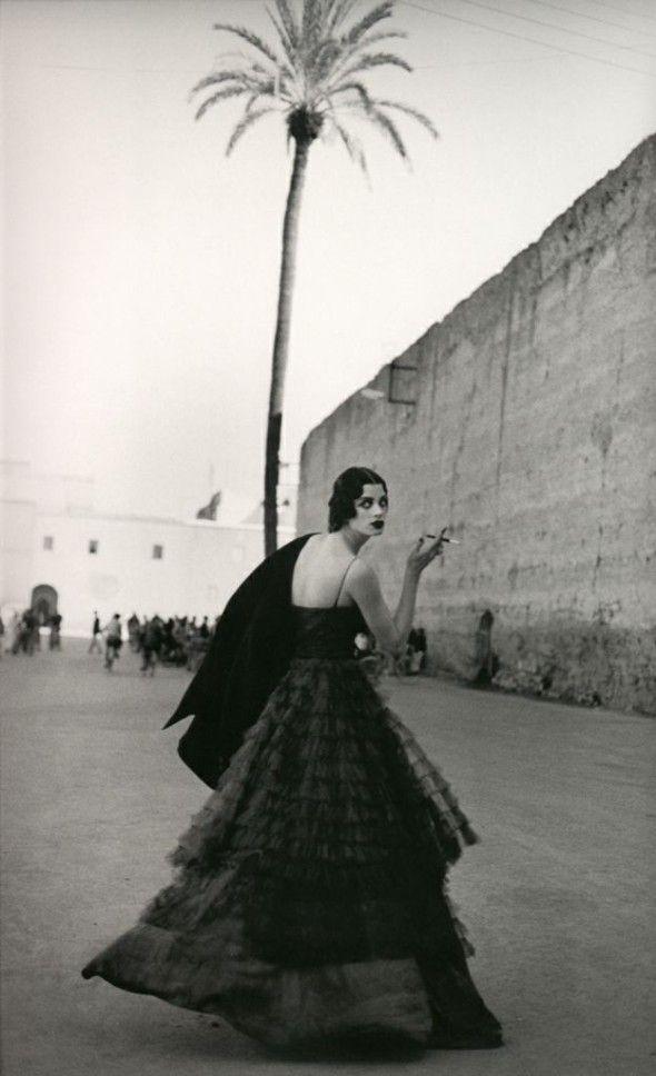Kristen McMenamy av Peter Lindbergh för Vogue Paris