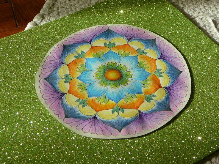 Ime! Meszületett :) - újrapapíron készítettem, a színek ezért picit mások mint a fehérítetten...