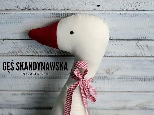 pokój dziecka - poduszki-Gęś zimowa poduszka skandynawski styl   http://www.pakamera.pl/pokoj-dziecka-poduszki-ges-zimowa-poduszka-skandynawski-styl-nr1379179.htm
