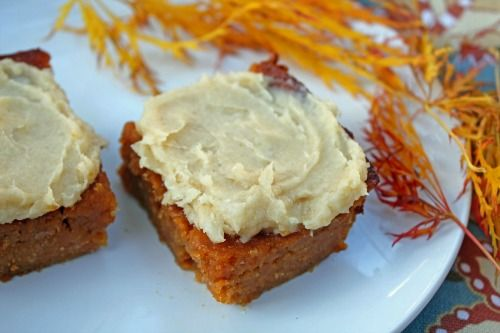 pumpkin bars with vanilla frosting