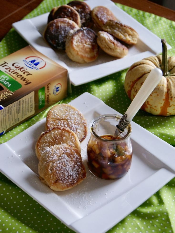 Ricotta pancakes with carmelized mango