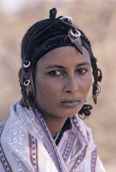 Africa | Tuareg woman, Timbuktu, Mali | ©Steve McCurry