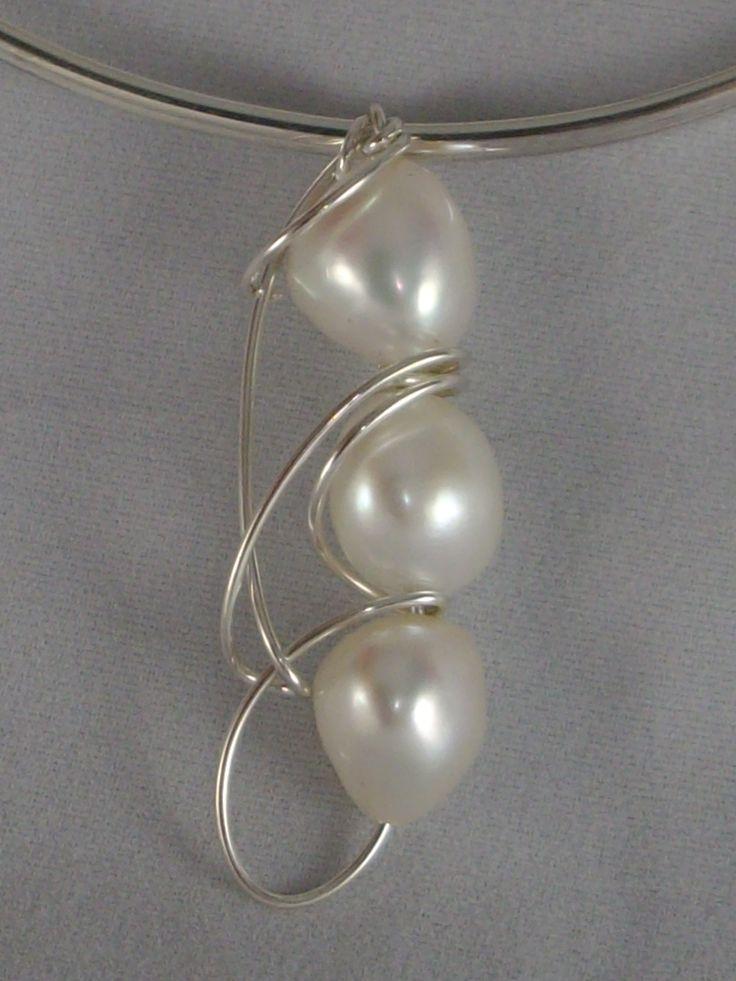 www.carellajewellers.com