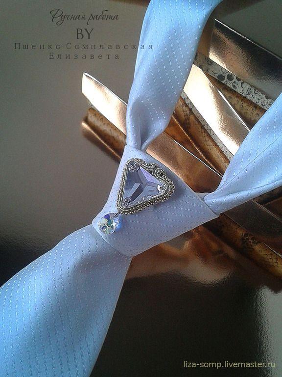 Купить Сутажная брошь на галстук. Свадебные украшения. Брошь бисер - золотой, подарки для мужчин