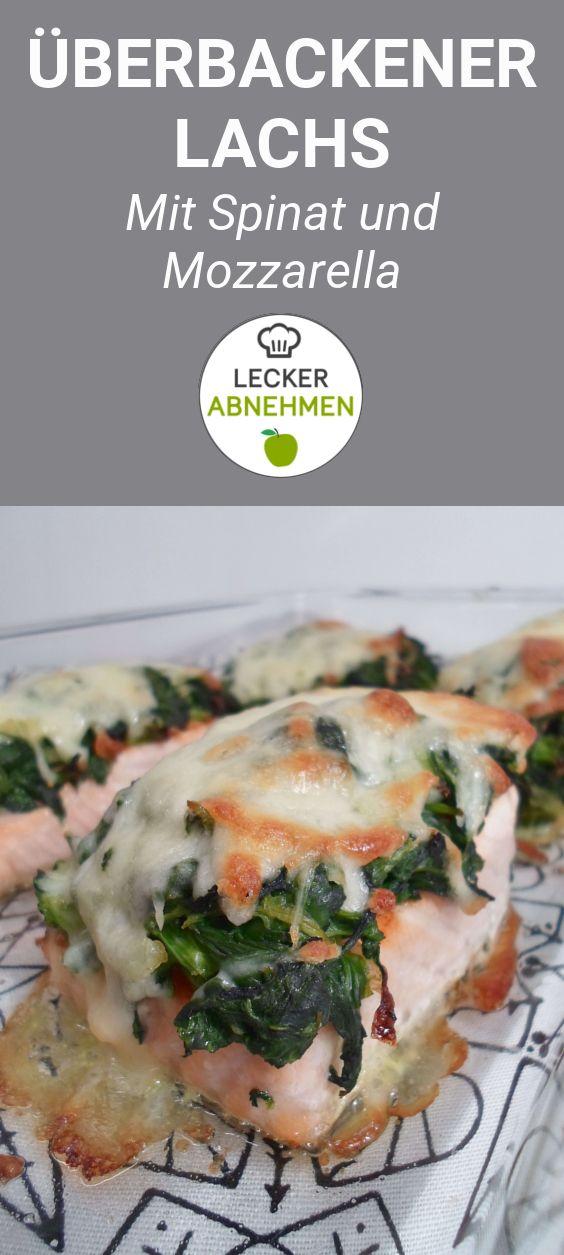 Überbackener Lachs mit Spinat und Mozzarella - ein himmlisches Low Carb Rezept. Dieses Gericht schmeckt köstlich und ist super einfach zu machen. Der überbackene Lachs eignet sich perfekt als Mittag- oder Abendessen und schmeckt garantiert auch Leuten, die sich nicht Low Carb ernähren.