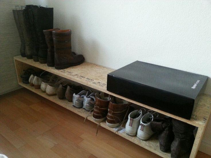 Schoenenrek van hout (OSB). Makkelijk zelf te maken.