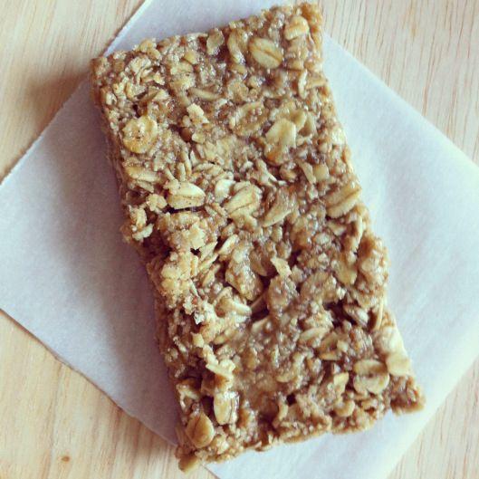 Starbucks Oat Bar Recipe 2 cups old fashioned rolled oats 1/2 tsp. cinnamon 1/4 c. butter 1/4 tsp. salt 2 tbsp. corn syrup 2 tbsp. honey 2 tbsp. brown sugar 1/2 tsp. vanilla 2 tbsp. water