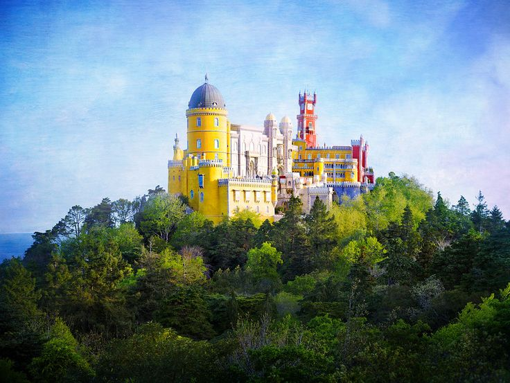 Was absolutely beautiful. Pena National Palace in Sintra, Portugal | Stuck in Customs