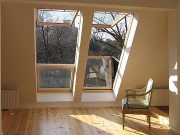 Besonders große Dachfenster montiert von P & H Dachbau GmbH in Berlin (13509) | Dachdecker.com