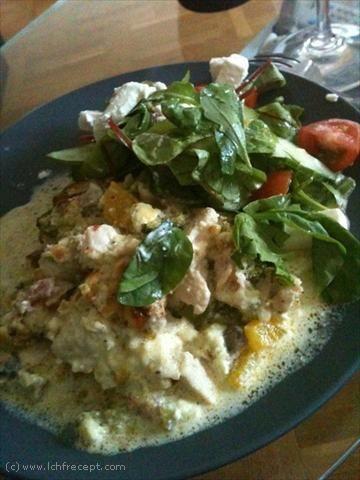 LCHF-Recept: Broccoligratäng med Kycklingfilé och Bacon