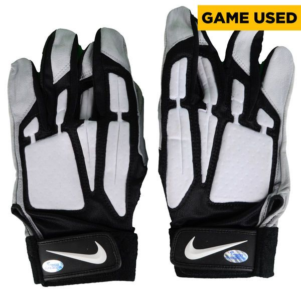 Jason Kelce Philadelphia Eagles Fanatics Authentic Game-Used Black, Gray, and White Nike Pair of Gloves vs Tampa Bay Buccaneers on November 22, 2015 - $89.99