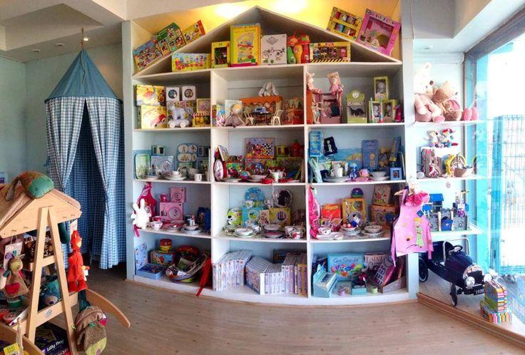 Shop display, kids boutique, Jugueteria Tres Lobitos, Santiago, Chile.