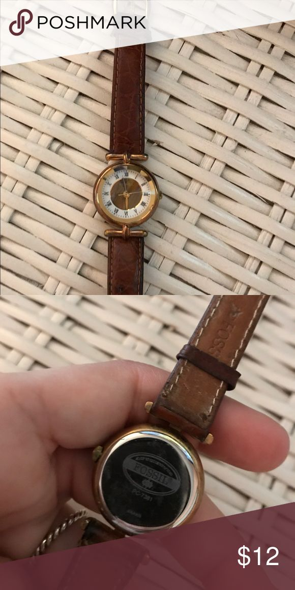 Women's Fossil Watch Women's fossil watch. Great condition. No scratches. Just need a new battery to bring it back to life! Fossil Accessories Watches