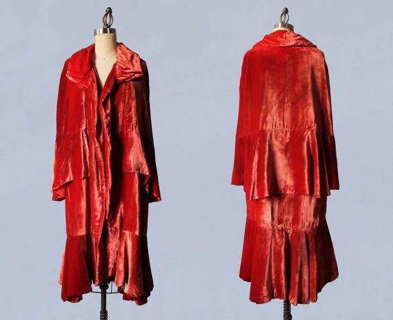 1920s Coat / Luxurious Silk Velvet Cape Coat / Flapper Opera Cloak / Cocoon Coat