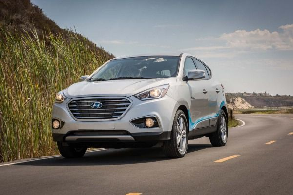 The 2017 Hyundai Tucson Fuel Cell SUV lease program remains unchanged for the new model year.
