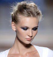 Les cheveux blonds cendrés de Taylor Swift - Marie Claire