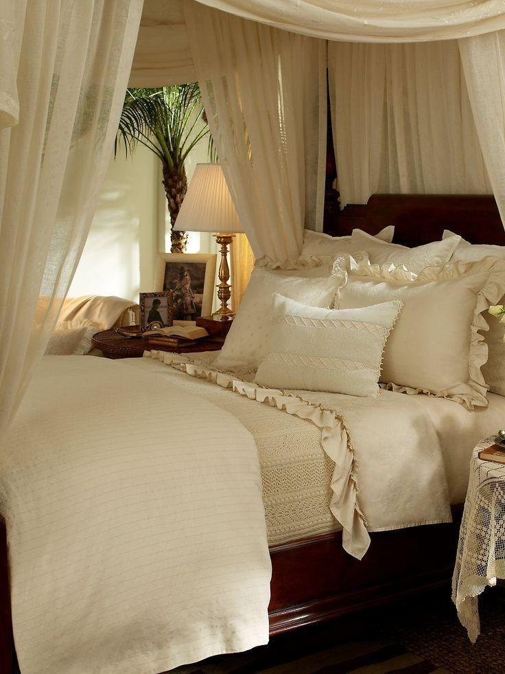 60 Fotos Von Dekoration Mit Kolonialstil Neu Dekoration Stile Schlafzimmergestaltung Schlafzimmer Inspirationen Himmelbetten
