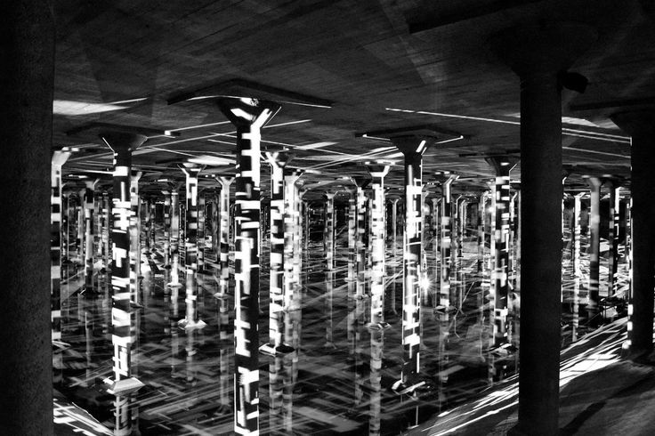 "Page Southerland Page, Buffalo Bayou Park Cistern, Houston (Texas, USA). Interior with video installation ""Rain: Magdalena Fernández"""