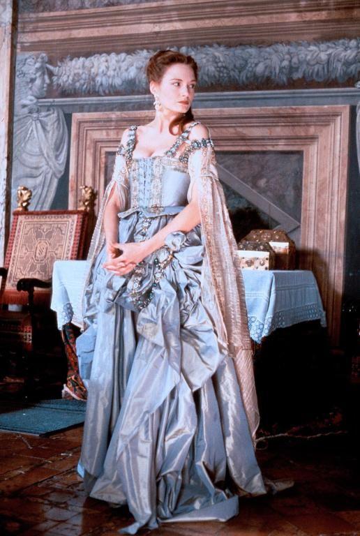 Veronica Franco - Catherine McCormack in Dangerous Beauty (1998). One of my favorite films!!!!