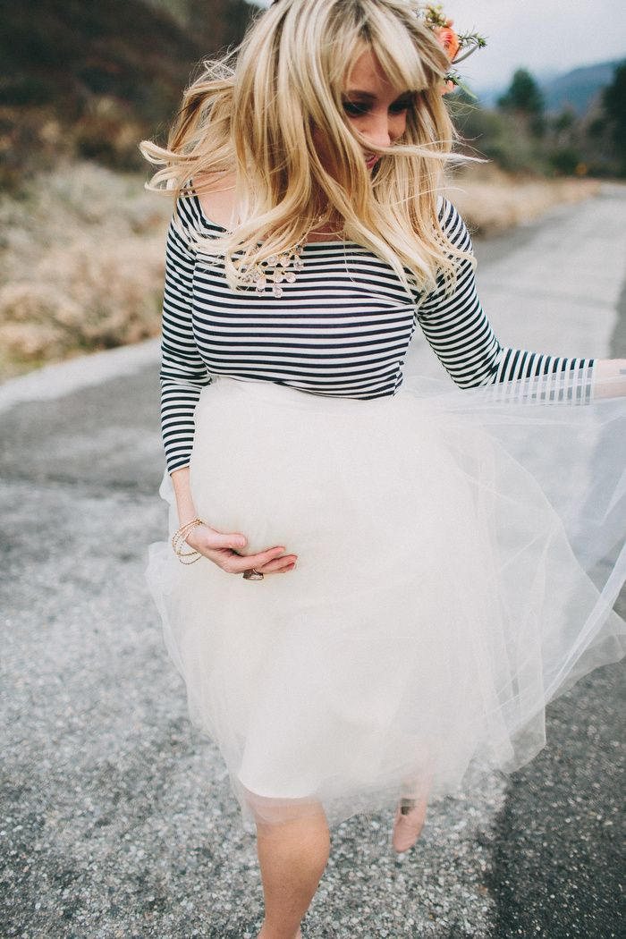 GreyLikesBaby LaurenScotti1425 Baby Bump Tutu and Flowers. Obsessed with the tulle skirt!