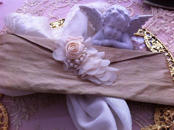 Kumaş davetiye zarfı, düğün davetiyeleri  özel el yapımı çiçekli