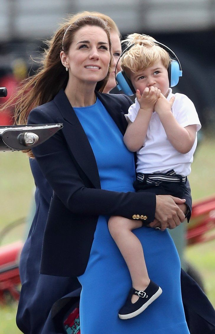 Celebrity Gossip & News | Prince George Is THE Cutest While Catching a Helicopter Ride With His Mum and Dad | POPSUGAR Celebrity UK Photo 15