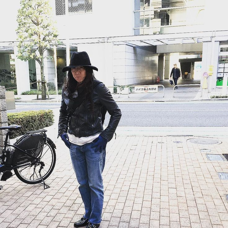 失礼ながらアラウンド50の普段着  この人っぽく映ります #like4like #like4follow #tokyo #outfit #todayslook #japan #urbanchics#coordinate  #アラフィフ #アラフィフコーデ #アラフォー #アラフォーコーデ  #調布市 #国領 #東京 #ニットブランド #アーバンチックス