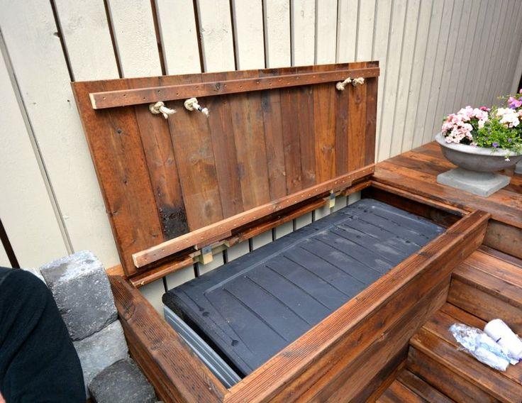 Smarte løsninger: Putekassen er bygget inn i trappen og skjuler en vanntett putekasse i plast. (Foto: Enok Moe)