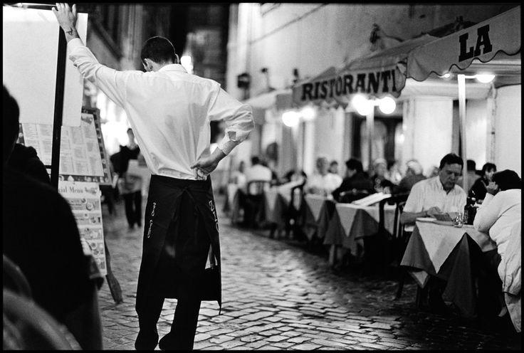 Elliott Erwitt  Rome. Italy (2008)