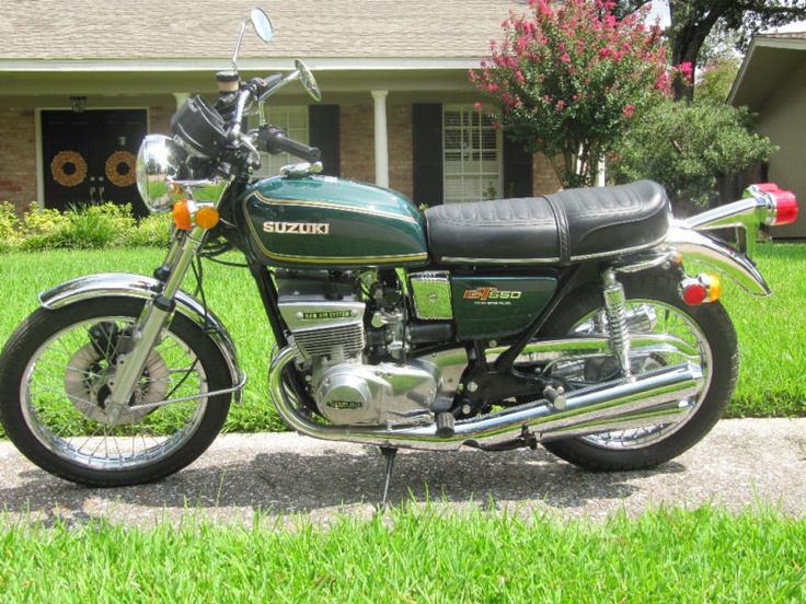 1976 Suzuki GT550. I had this model in 1975. I did a trip to Colorado. Four thousand miles in 10 days.