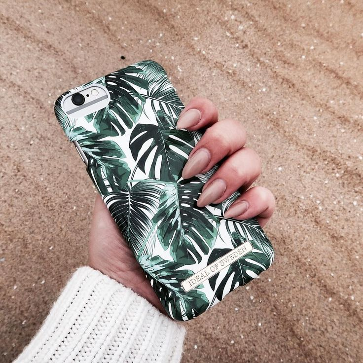 Fashion Case Monstera Jungle - pic by: caroline.kers #idealofsweden #green #fashion #iphone #phonecase