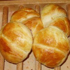 500g farine + 300 mL lait 1/2 écrémé + 15g levure boulanger + 30g beurre + 2 c.à.s. sucre + 1 c.à.c. sel