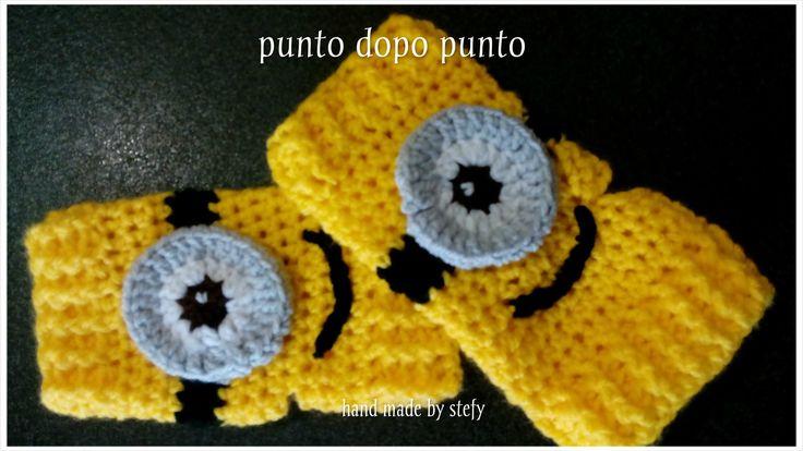 Guanto senza dita, fatti a mano ad uncinetto, per bimbi. Personaggio MINION. Crochet MINION fingerless gloves.