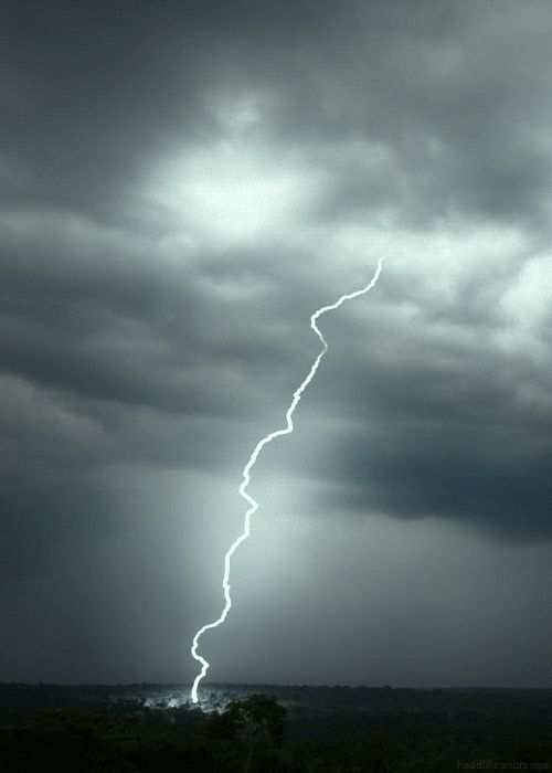 Jackpot hits $800M; the odds of being struck by lightning are about 576,000 to one! #lottery