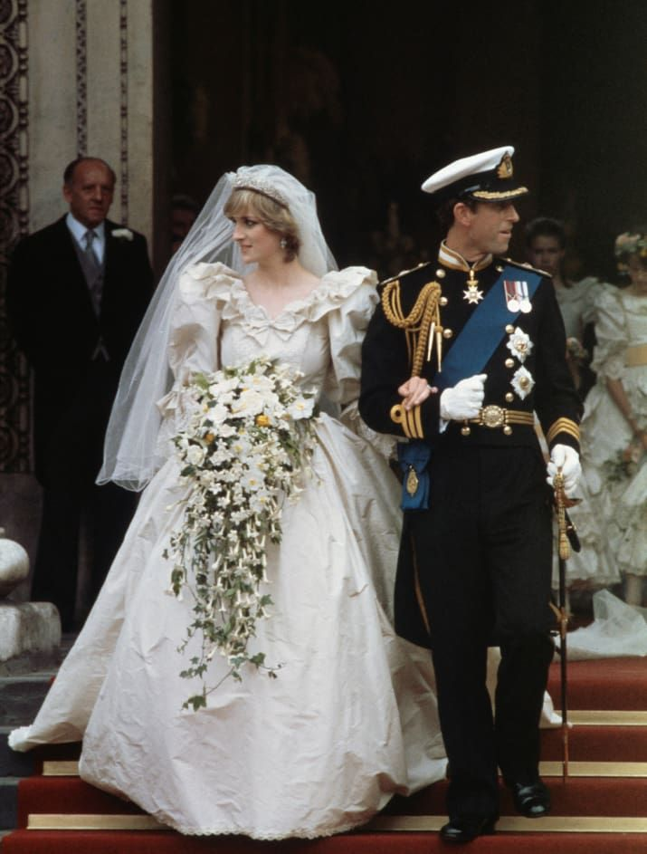 Diana wore a dress created by David and Elizabeth Emanuel that included a 25-foot train. And very puffy sleeves.