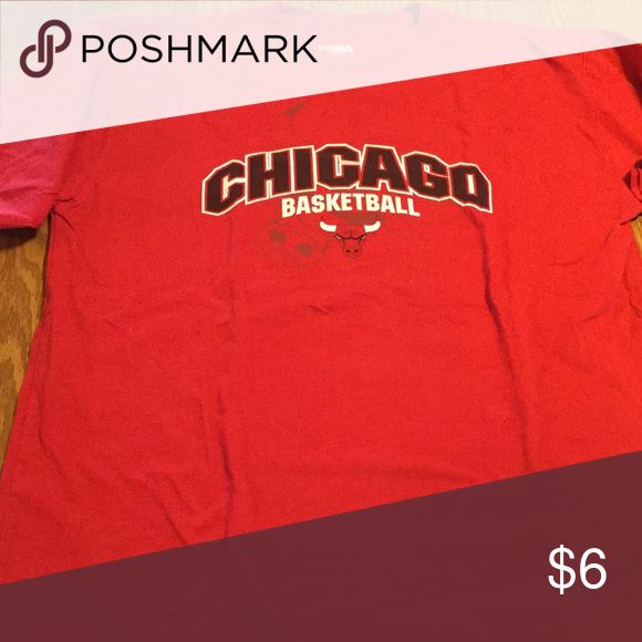 Men's NBA Bulls Basketball Red T-Shirt, Size L Men's NBA Bulls Basketball Red T-Shirt.  Size Large with logo.  Gently worn, like new condition. NBA Shirts Tees - Short Sleeve
