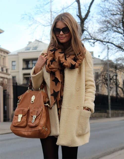Star Scarve and cream chunky sweater