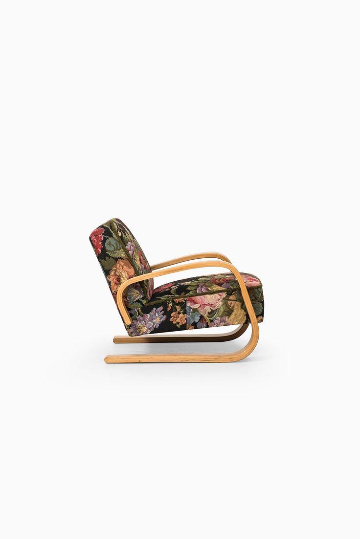 Alvar Aalto tank chair by Artek in Hedemora at Studio Schalling