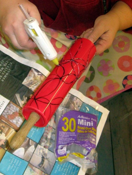 Some+creative+and+easy+projects+you+can+do+with+a+hot+glue+gun.