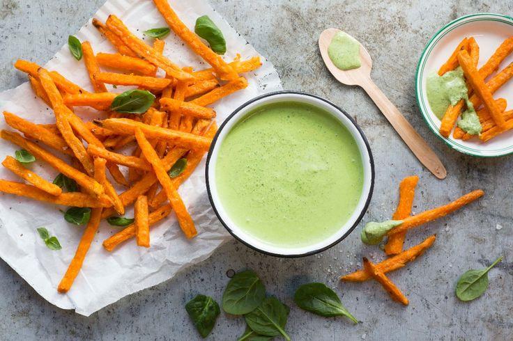 Dipp med spinat og Kesam® kan du kose deg med når som helst, gjerne som dipp til søtpotetfries eller andre grønnsaker, både rå og stekte. Dippen tar kun 5 minutter å lage.