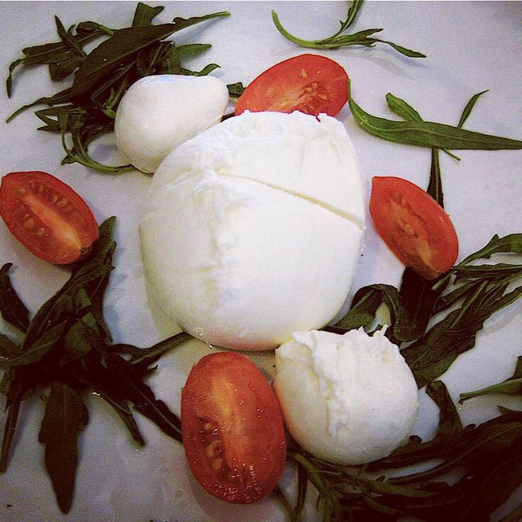 Fresh and Super Tasty Buffalo Mozzarella with Tomatoes and Arugula! Only Fresh and Italian Cheese with our company! We export all over the world! #cheese #italya #italian #food #italiancheese #buffalomozzarella #mozzarella #buffalo #italianfood #foodie #italia #formaggio #formaggi #bufala